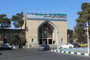 مخالفت مقامات محلی قم با توقف قطار سریع السیر در ایستگاه راه آهن