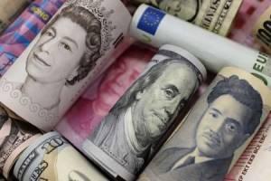 افت دلار به پایینترین قیمت در ۲ ماه اخیر دلار و پوند و ین