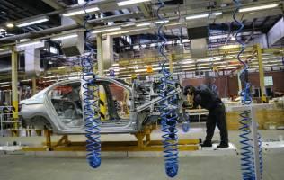 پیش فروش ۵۳ هزار دستگاه از محصولات ایران خودرو آغاز می شود