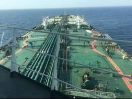 مشتریان عزم خود را برای خرید نفت از ایران جزم کردهاند