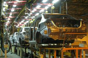 تولید ۵ خودرو سواری متوقف شد