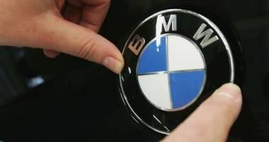 افزایش تعرفههای گمرکی هزینه گزافی بر خودروسازان تحمیل میکند