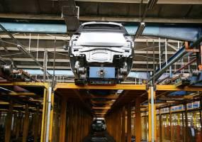 خودروسازان برای پیش فروش مجوز داشتند