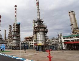 تولید بنزین ۱۰۰ میلیون لیتر را رد میکند