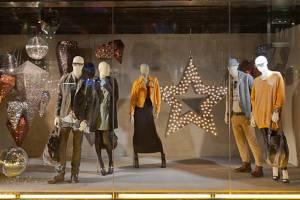 پاکسازی۴۰مجتمع تجاری عرضه کننده پوشاک قاچاق