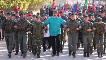 واشنگتن وارد تماس مستقیم با نظامیان ونزوئلا شد