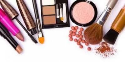 ۱۰ درصد به عوارض گمرکی و سود بازرگانی واردات لوازم آرایشی اضافه میشود