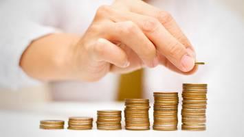 اجرای مصوبه مجلس در مورد افزایش حقوقها پیگیری شود