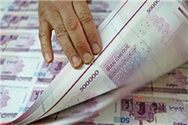 حاجیبابایی نتیجه جلسه بررسی روند افزایش حقوقها را تشریح کرد تخلف در مورد افزایش حقوقهای 2/5 تا 5 میلیون تومان