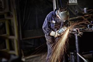 معیشت کارگران زیر یوغ فضای نامطلوب کسب و کار