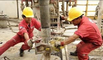 راه خروج از اقتصاد نفتی چیست؟