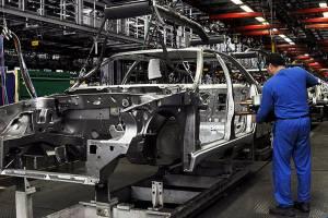 وابستگی به واردات قطعات خودرو امسال کاهش مییابد