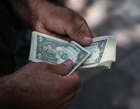 دلار دوباره به کانال 13 هزار تومان بازگشت