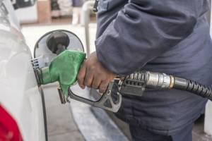 آمادگی ۹ کشور منطقه برای خرید بنزین ایران
