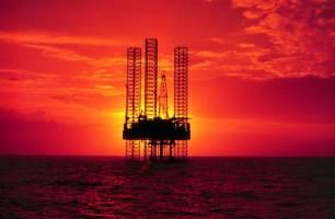 نفت تا ۱۰ دلار سقوط میکند؟
