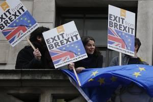 اقتصاد انگلستان ۹۰ میلیارد دلار با توافق برگزیت جدید ضرر میکند