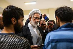 همه دستگیرشدگان حوادث سهمیه بندی بنزین از وضعیت زندان و نگهداریشان راضیاند