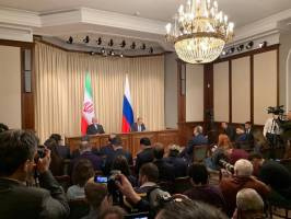 ظریف: ایران و روسیه برای حفظ صلح در خلیج فارس و سوریه به همکاری ادامه میدهند