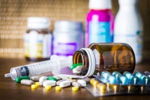 کنترل خروجیهای قاچاق دارو