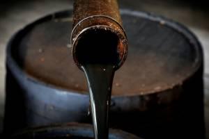 عامل کاهش قیمت نفت، افزایش ذخایر است