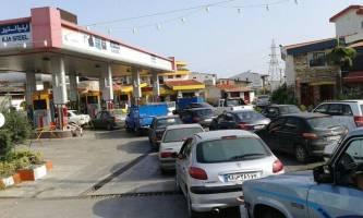 شایعه تعطیلی پمپ بنزین ها تکذیب شد