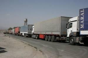 کامیونهای ترک در ایران تردد دارنداما راه ترکیه بر ایران بسته است
