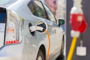 پشتپرده اصرار بر واردات خودروهای برقی چیست؟