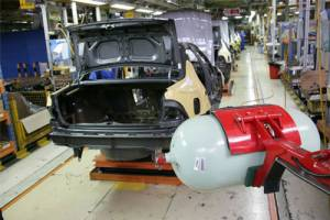 شمارش معکوس تولید کارخانهای خودروهای دوگانهسوز