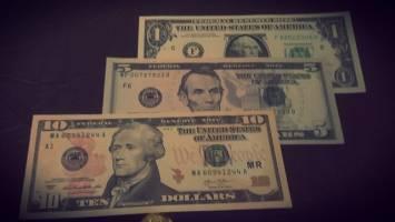 صعود نیرومند جهانی دلار