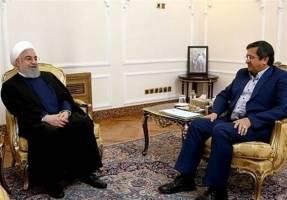 روحانی در گفت و گو با رئیس بانک مرکزی: تامین نیازهای دارویی مردم از اولویت های اصلی است