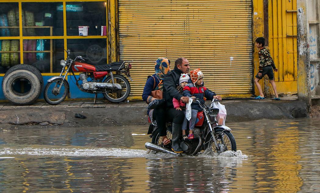 بارش باران و آبگرفتگی معابر در اهواز