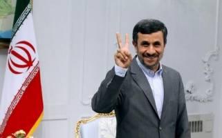 پس لرزه ادعای تزریق واکسن ۳۰ میلیون تومانی و آمریکایی کرونا به احمدی نژاد