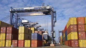 نگرانی بازار از روند کند ترخیص کالاها و افزایش قیمتها