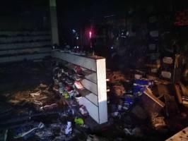 یک فروشگاه زنجیرهای در تهران آتش گرفت
